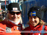 Silvia posa accanto alla Speed Queen Renate Goetschl